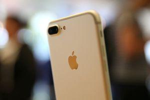 Chuyện lạ có thật: Người nghèo, học vị thấp mới dùng iPhone