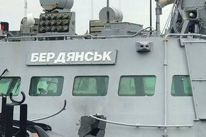 Ảnh tàu chiến Ucraine thủng lỗ lớn do dính pháo hạm AK-630 của Nga
