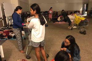 Xúc động câu chuyện trung tâm thương mại mở cửa suốt đêm cho người dân ngủ tránh bão ở Sài Gòn