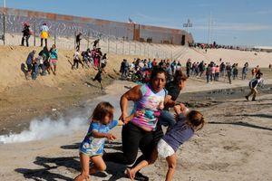 Nỗi khổ của phụ nữ, trẻ em tị nạn vùng biên giới Mexico - Mỹ