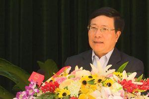 Phó Thủ tướng Phạm Bình Minh tiếp xúc cử tri sau kỳ họp Quốc hội thứ 6