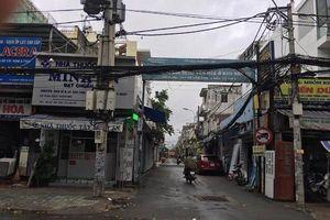 Cô gái suýt chết vì điện giật khi đi xe trong bão số 9 ở Sài Gòn