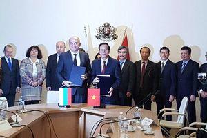 Việt Nam-Bungari ký kết hợp tác về lao động, việc làm và an sinh xã hội