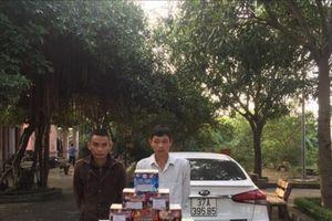 Nghệ An: Bắt giữ 2 đối tượng vận chuyển hơn 180kg pháo nổ