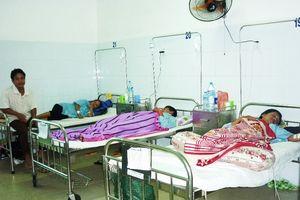 Sốt xuất huyết tăng đột biến, bệnh nhân phải nằm hành lang bệnh viện