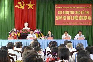 Chủ tịch Quốc hội tiếp xúc cử tri tại phường lê Bình, quận Cái Răng, thành phố Cần Thơ