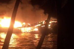 Quảng Nam: Tàu cá bất ngờ cháy trong đêm, thiệt hại gần 10 tỷ đồng