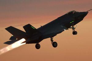 S-500 của Nga liệu có 'hạ gục' được F-22 và F-35 của Mỹ?