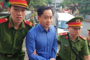 Phan Văn Anh Vũ khai có thêm quốc tịch nước ngoài