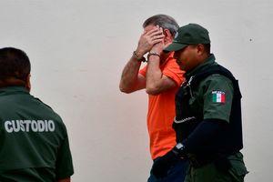 Tra tấn tù nhân bằng cách cho nghe nhạc đến suýt phát điên
