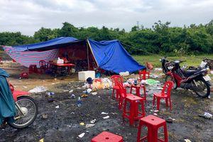 Tạm giữ 6 người dựng lều cho gần trăm đại gia đánh bạc trên núi