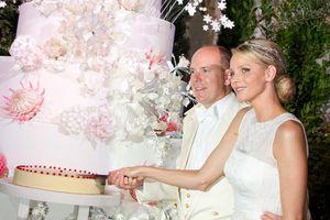 Nặng 200 kg, cao 2 m và kỷ lục của những chiếc bánh cưới Hoàng gia