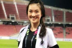 Nhan sắc của người đẹp hoa hậu làm bác sĩ tuyển Thái Lan tại AFF Cup