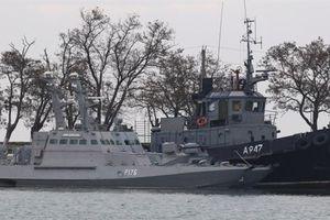 Tàu Ukraine mang vũ khí hạng nặng sẵn sàng gây hấn