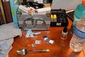 2 chuyên gia tư vấn, điều trị cho con nghiện chết vì... sốc ma túy