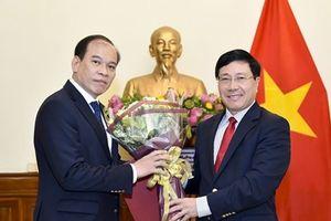 Phó Thủ tướng Phạm Bình Minh trao quyết định bổ nhiệm nhân sự Cục Lãnh sự