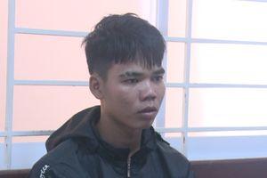 Bị chửi vì nẹt pô xe máy, nghi phạm cầm dao vào nhà đâm chết người
