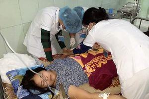 Phòng GD-ĐT huyện Quảng Ninh đã đến thăm hỏi cô giáo Thủy bị choáng ngất