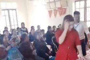 Vụ dân 'quây' nhóm người nghi bán hàng dởm ở Nghệ An: Huyện 'đổ' xã