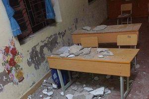 Hải Phòng: Trần lớp học rơi trúng người, 3 học sinh lớp 1 nhập viện