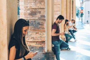 Mạng xã hội làm tăng cảm giác cô đơn