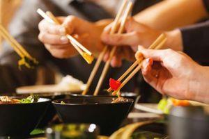 Bệnh không lây nhiễm tăng ở giới trẻ do ăn uống… vô tội vạ