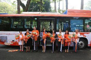 Lắp camera và loa cảnh báo ngăn chặn quấy rối tình dục trên 26 xe buýt công cộng ở Sài Gòn