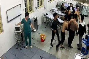 Hà Nam: Nhóm đối tượng xăm trổ xông vào bệnh viện hành hung bệnh nhân đang cấp cứu