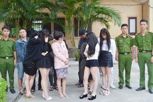 Nghệ An: Bắt quả tang 17 thanh niên sử dụng ma túy trong khách sạn