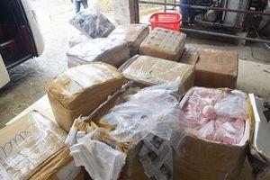 Bắt quả tang xe khách mang biển số Lào chở 2,5 tấn nội tạng không rõ nguồn gốc