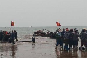 Thanh Hóa: Chồng mất tích, vợ tử vong khi đi đánh cá ngoài biển