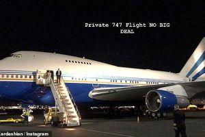 Vợ chồng Kim 'siêu vòng 3' bị chỉ trích vì thuê máy bay lớn, gây ô nhiễm