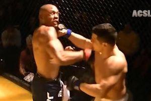 Hai võ sĩ MMA đều bị hạ gục sau khi đấm vào mặt nhau