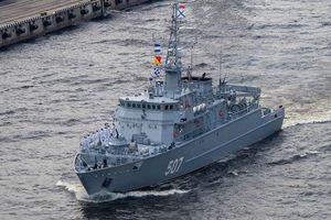 Nga lo Ukraine lén rải thủy lôi tại Biển Azov