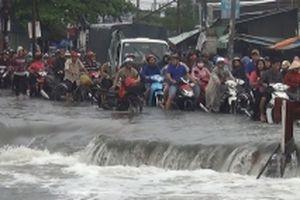Tìm thấy thi thể nạn nhân bị nước cuốn trôi trong cơn bão số 9