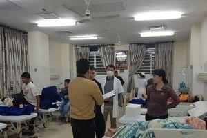Hơn 60 người nhập viện sau khi ăn bánh mì ở quán nổi tiếng