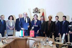 Việt Nam-Bungaria chính thức ký kết hợp tác xuất khẩu lao động