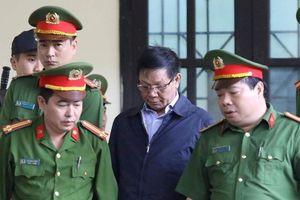Cựu tướng Phan Văn Vĩnh nhập viện trước ngày tuyên án