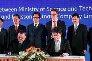 Bộ KH&CN ký kết thành lập Trung tâm đổi mới sáng tạo về Internet Vạn Vật