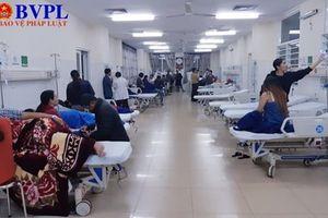 Hơn 50 người nhập viện sau khi ăn bánh mì