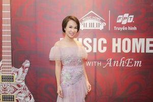 Uyên Linh mở màn chuỗi chương trình livestream âm nhạc 'Music Home'