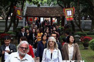 Khách quốc tế đến Việt Nam trong 11 tháng đã đạt hơn 14,1 triệu lượt