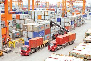 Việt Nam nhập siêu 400 triệu USD trong tháng 11