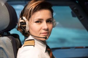 Các nữ phi công xinh đẹp và dũng cảm chinh phục bầu trời