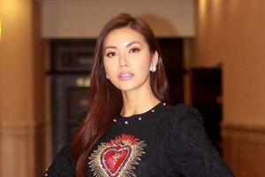 Diện đầm đen, Minh Tú vẫn nổi bật giữa dàn mỹ nhân Miss Supranational