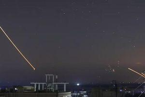 Tên lửa dồn dập tại Syria: Nga - Israel 'trống xuôi, kèn ngược'?
