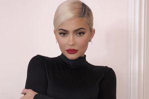 Kylie Jenner kiếm tiền nhiều nhất 2018, gấp đôi Neymar, Taylor Swift