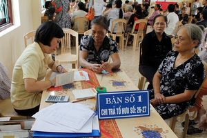 Điều chỉnh lương hưu đối với lao động nữ