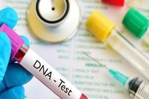 Mang con trai đi xét nghiệm ADN, người phụ nữ sốc khi biết kết quả