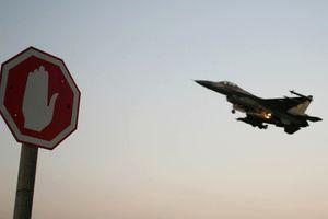 Israel bác tin máy bay bị bắn hạ khi không kích Syria
